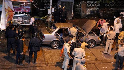 Đánh bom hàng loạt ở Ấn Độ, 21 người chết