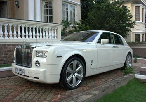 Chủ nhân chiếc Rolls-Royce Phantom 81K-8888 xuất hiện