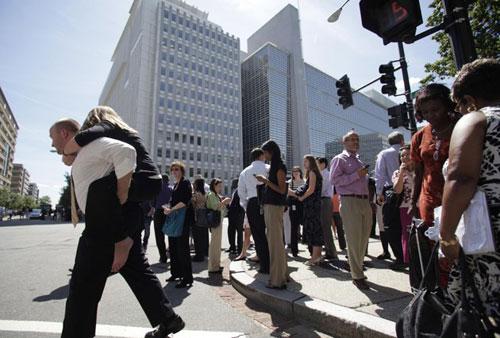 Người dân Mỹ bàng hoàng vì động đất
