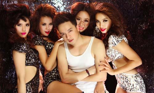 Cao Thái Sơn nóng bỏng bên các vũ nữ