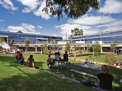 Monash - Một trong những Đại học hàng đầu thế giới