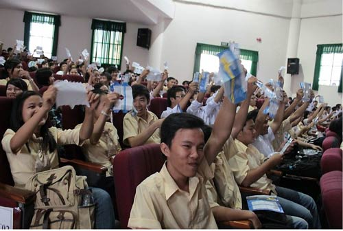 Làng đại học 'rục rịch' di cư lên mạng xã hội