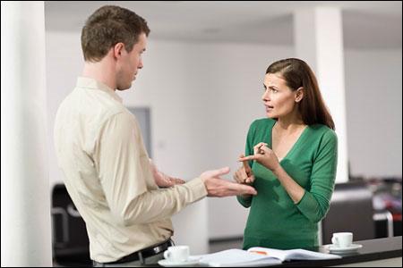 Ứng xử khi đồng nghiệp làm việc xấu
